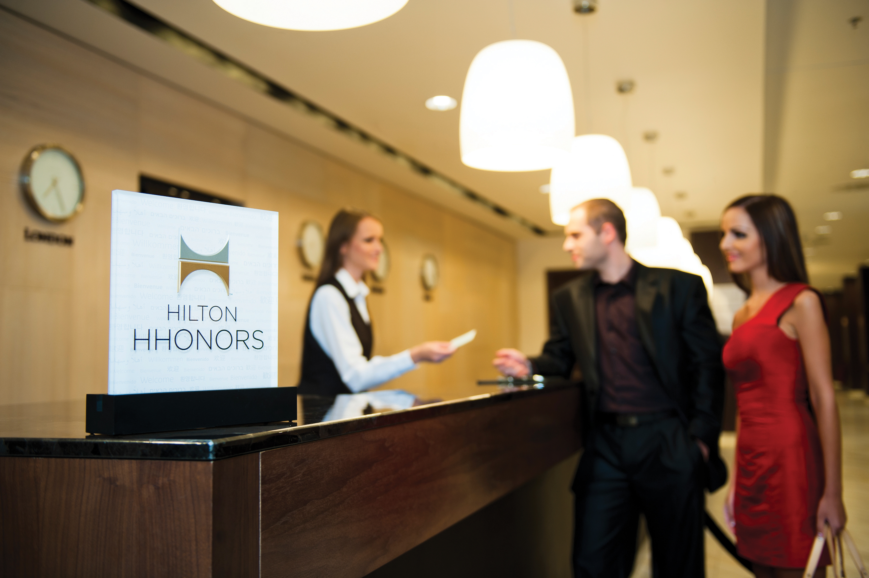 Cool Computer Desks Four Powerful Myths Of Modern Customer Loyalty Hotel
