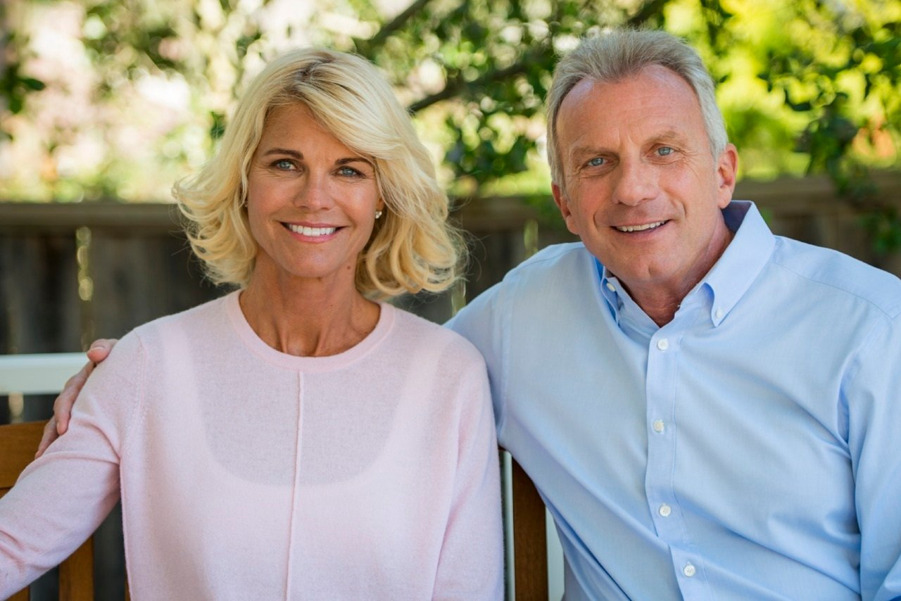 Joe And Jennifer Montana Team Up To Quarterback Amgen S