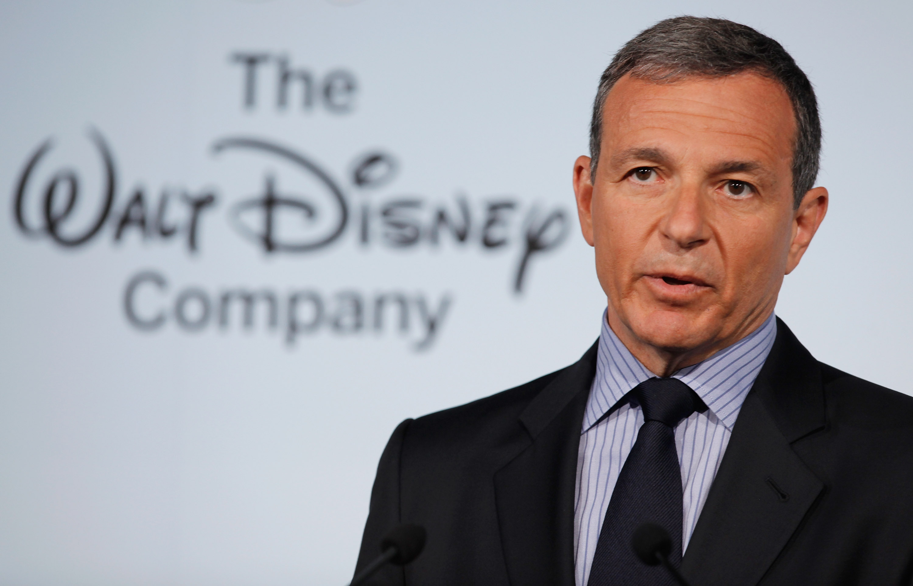 Disney Beats Year-End Earnings Expectations, But Revenues Fall Short