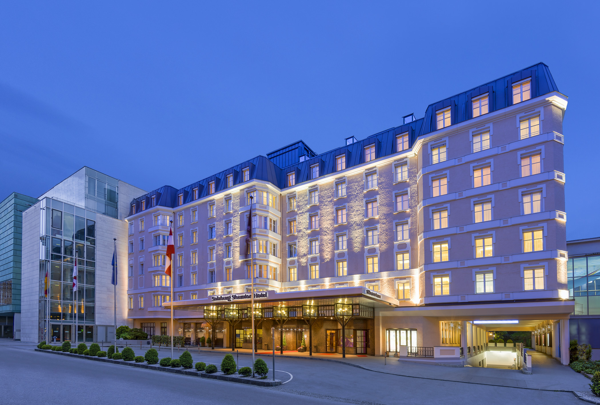 Marriott sells sheraton turnaround to analysts and for Design boutique hotel salzburg