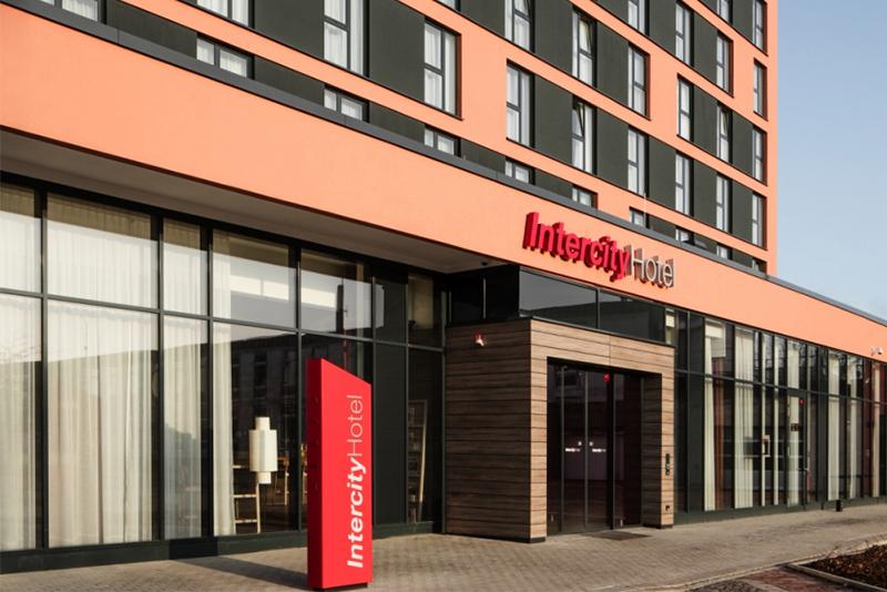 intercityhotel braunschweig launches brand 39 s new prototype interior design by matteo thun. Black Bedroom Furniture Sets. Home Design Ideas
