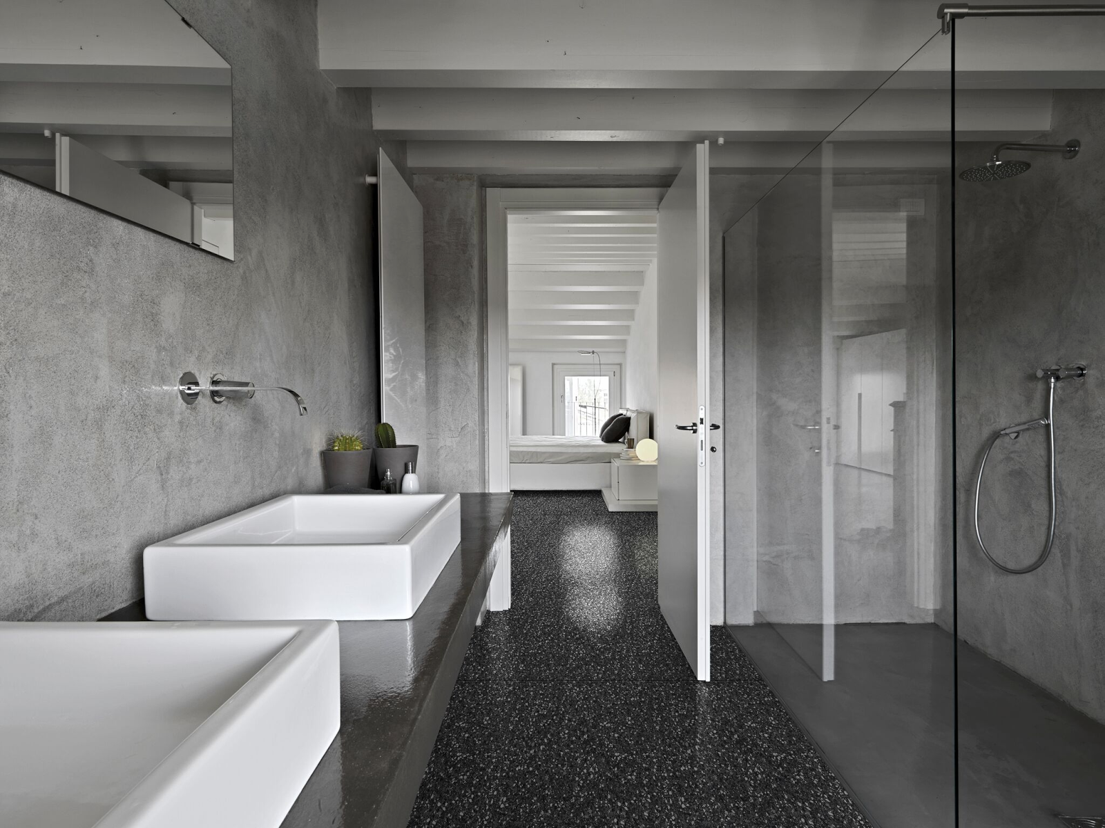 How bathroom furniture and flooring can improve a hotel 39 s for Design hotel jena