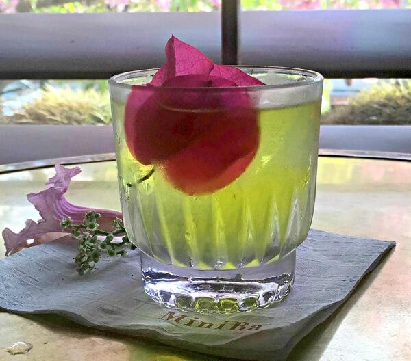 Crimson & Clover & The Golden Harp cocktail recipe - Spring cocktails