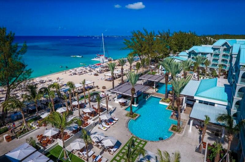 Vote for the world s coolest hotel pool travel agent central for L hotel della cabina islanda