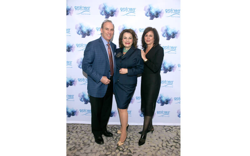 Sarfati with Dr. Samuel Shatkin, FACS, MD and Owner of Aesthetic Associate Centre for Plastic Surgery and Joni Shatkin, Owner of Trés Auraé Spa, at the Repêchage 19th Annual International Conference