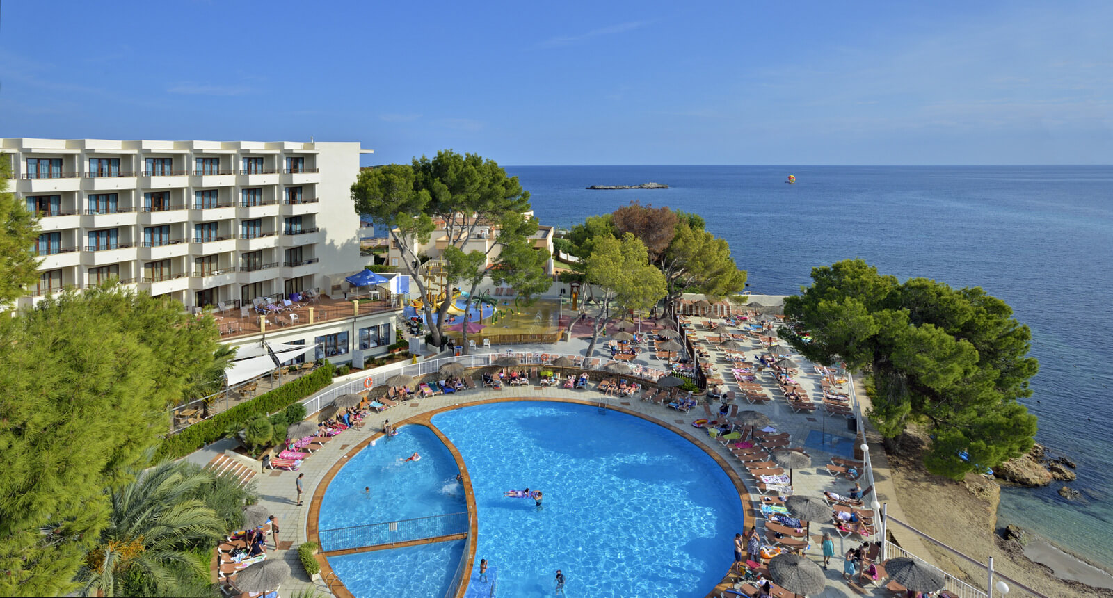 Kkr dundas capital and alua hotels resorts jv plans for Hotels ibiza