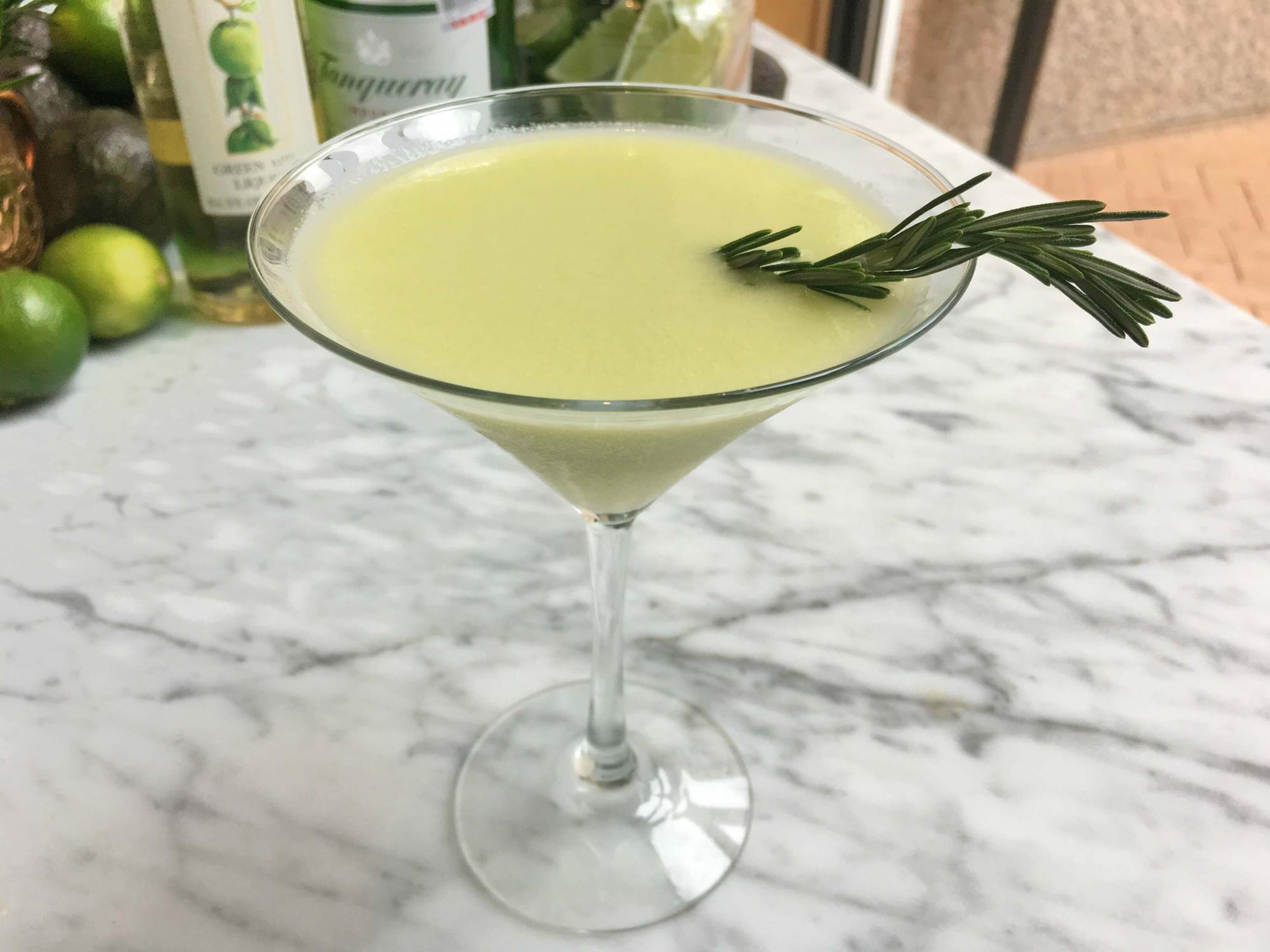 Avocado Gimlet - Avocado cocktail recipes