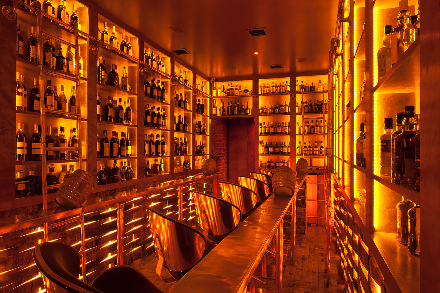 Copper & Oak NYC located on the Lower East Side of Manhattan - Bars that have bar snacks on the menu