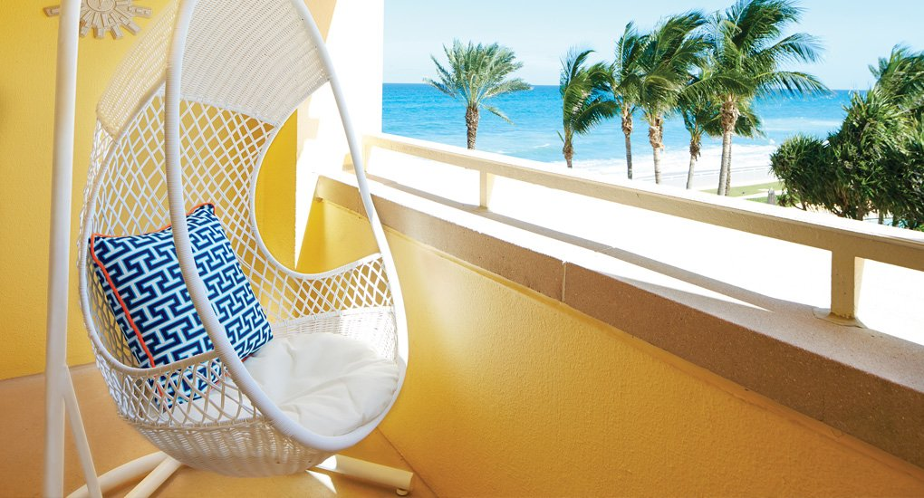 The color scheme of the Eau Palm Beach is meant to be crisp and clean.