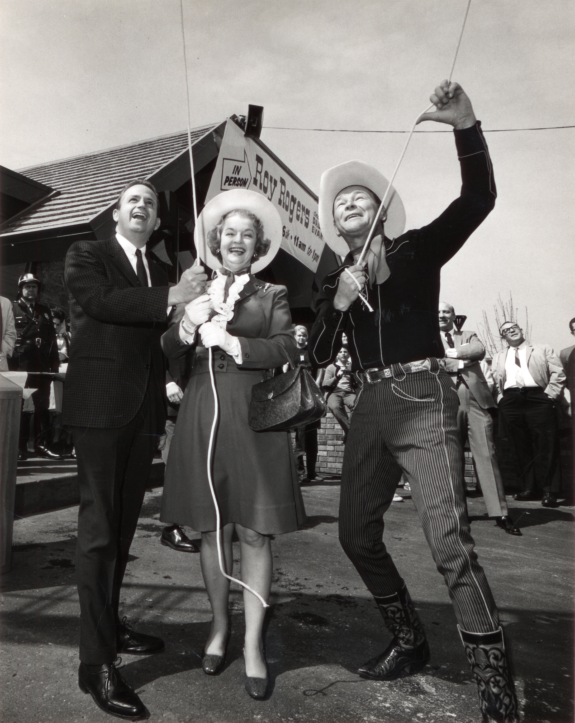 A Roy Rogers opening with Roy (born Leonard Franklin Slye) himself.