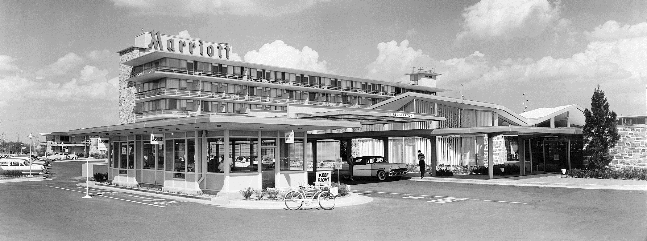 Exterior of the Twin Bridges Motor Hotel.