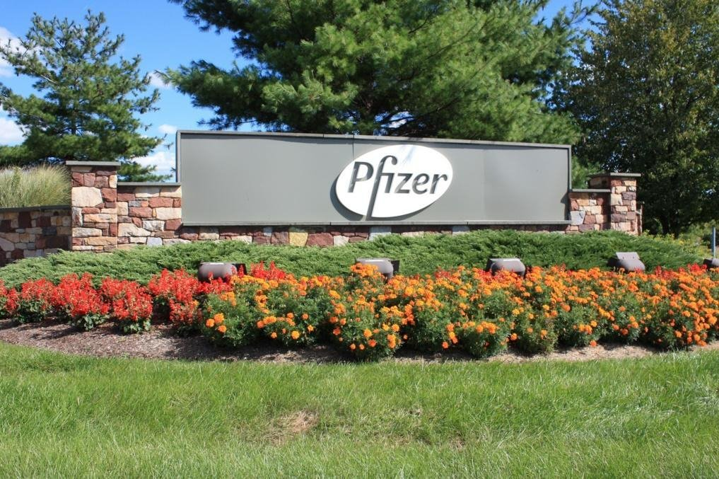 Pfizer investors slam new price increases as 'out of step' with its Big Pharma rivals | FiercePharma