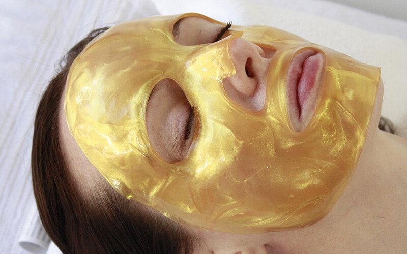 Sleeping Beauty Gold Facial Hydrogel Mask // Photo by Musely
