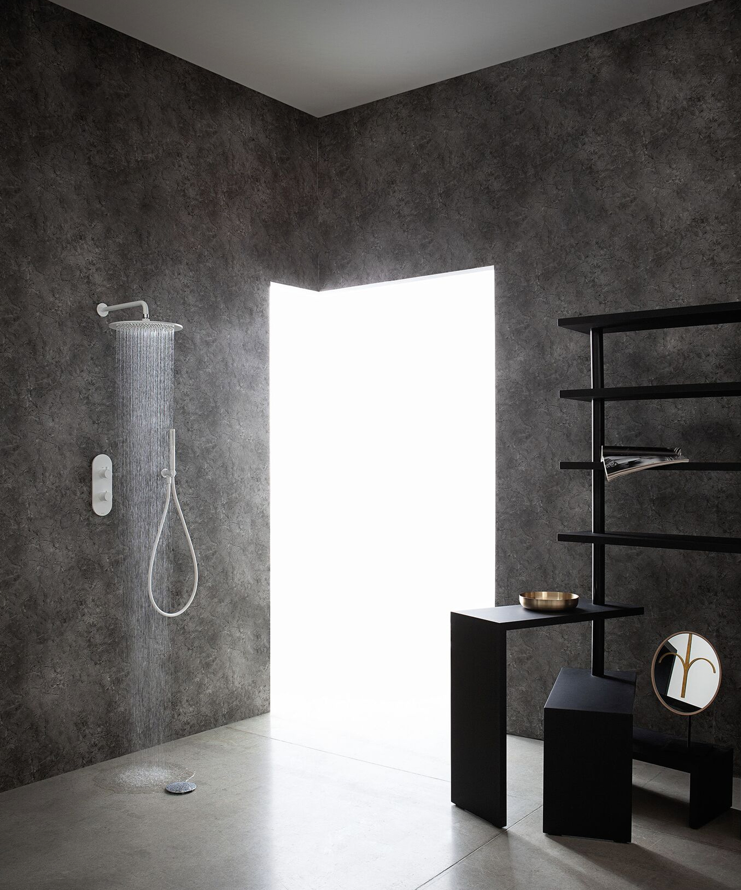 The showerhead is also CalGreen compliant, making it an eco-friendly addition to various settings.
