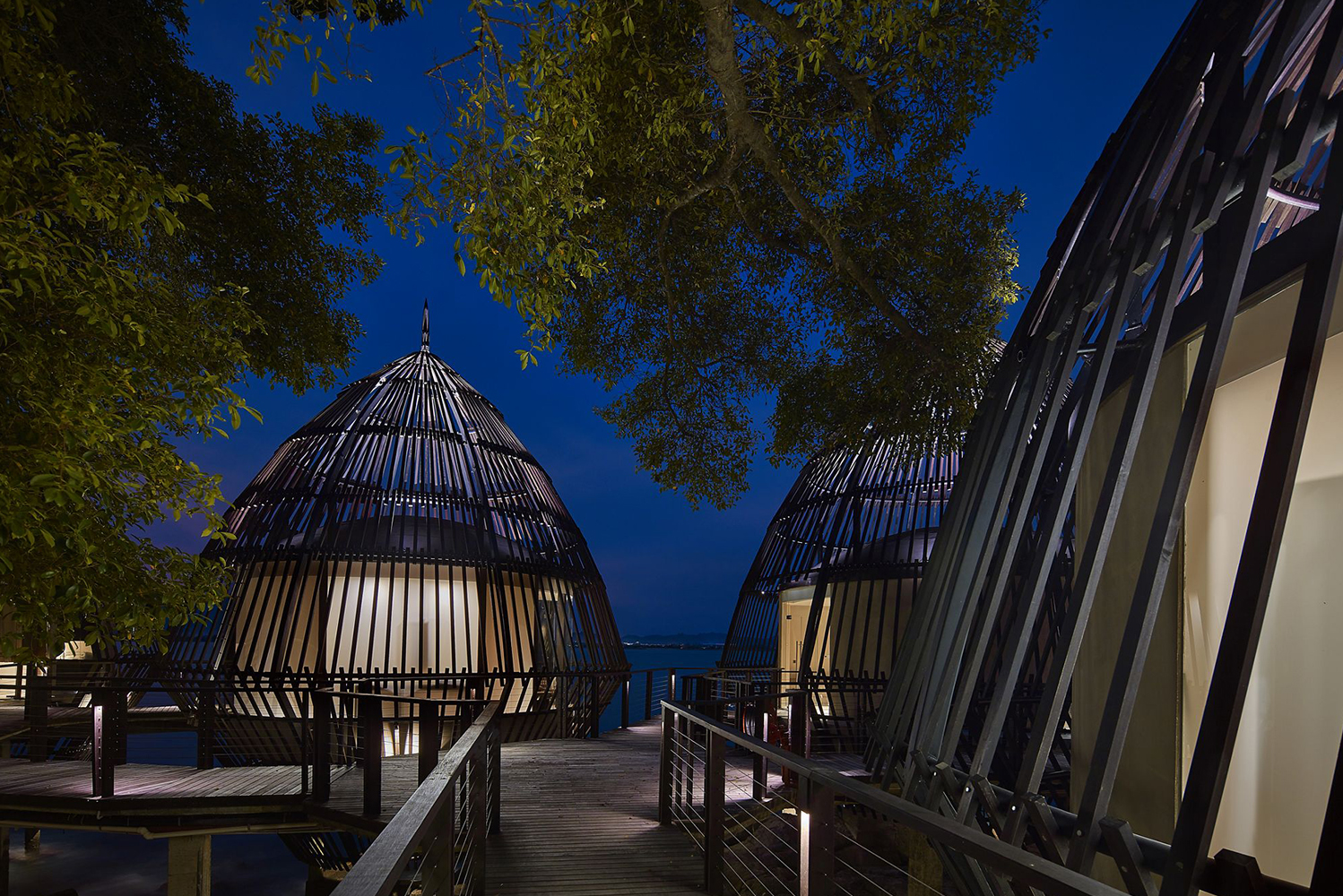 Spa Rituals has five cocoon-shaped pavilions that float above the sea.