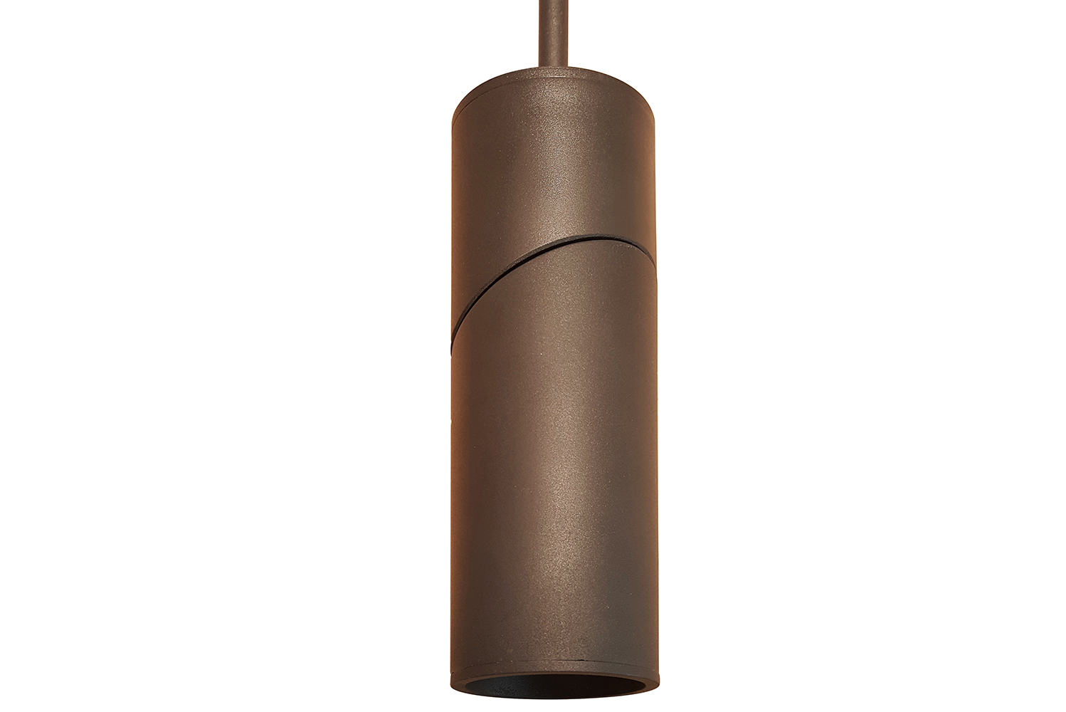 CSL (Creative Systems Lighting), manufacturer of lighting solutions for commercial and residential projects, released another collection in its line of eco-downlight cylinders.