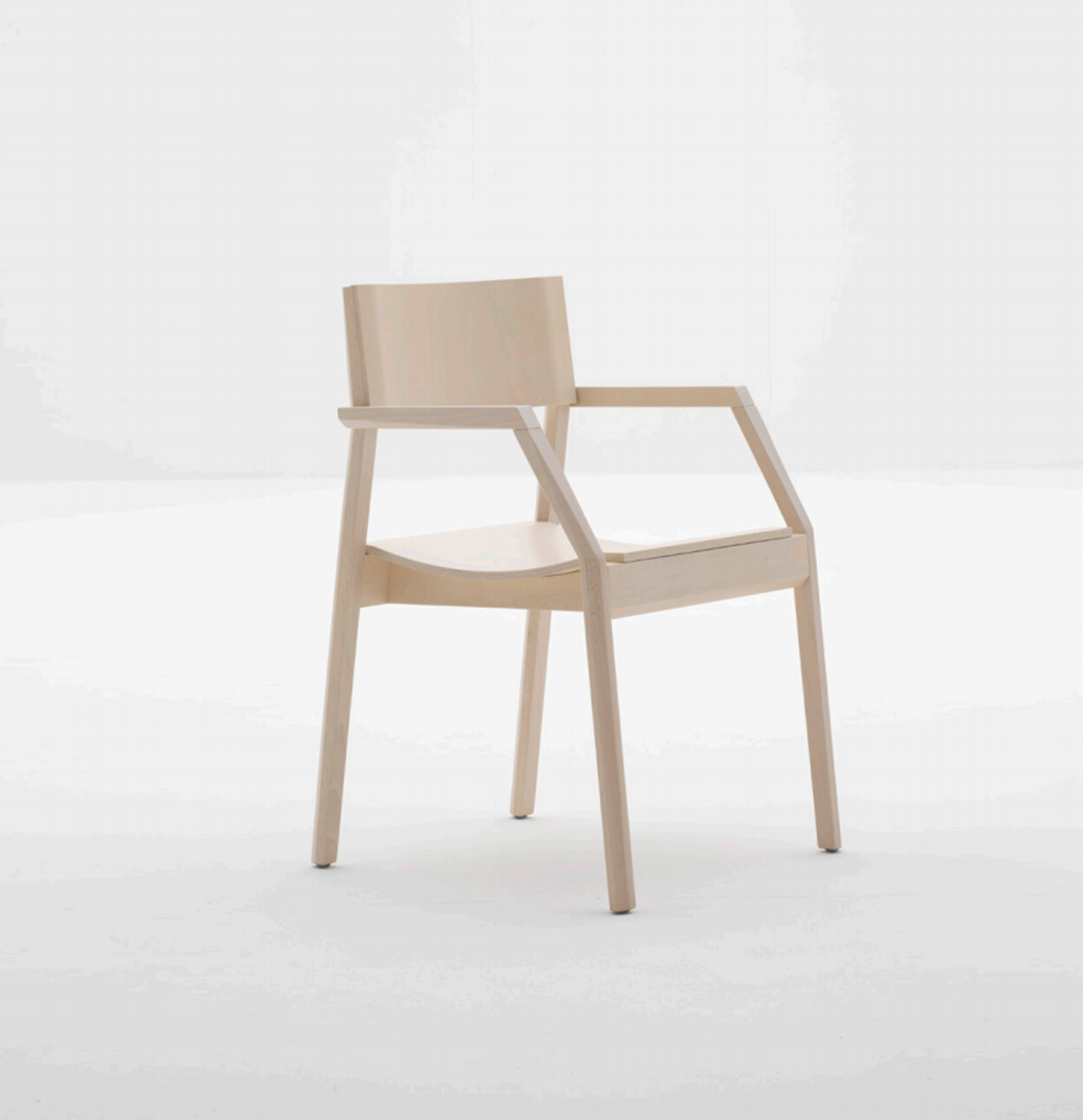 Designed by Enzo Berti and crafted in solid Beech wood, Maki's frame combines clean lines with a softly curved seat.