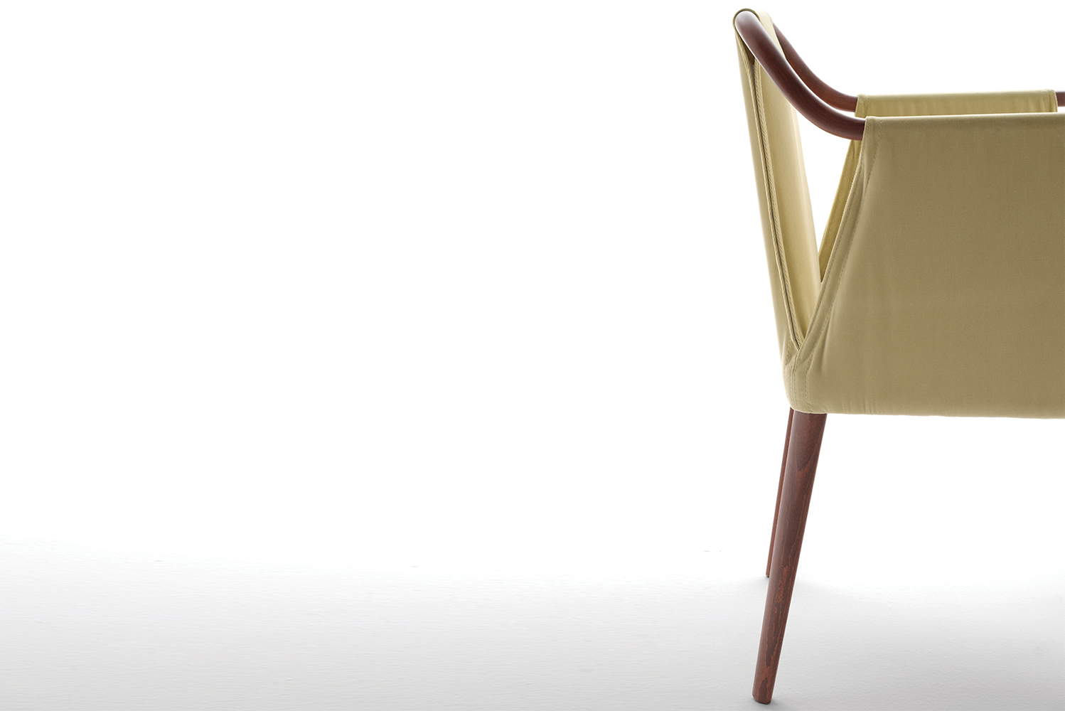Sayo's seat is  available in a range of fabrics or leathers to create a tailored style.