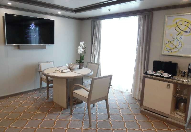 Dining area and mini-bar/coffee set-up on Silver Suite