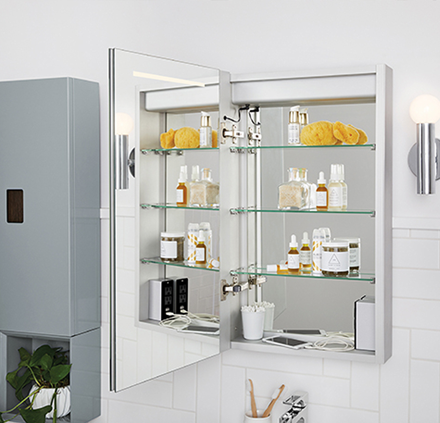 It may also be paired with one of Ronbow's LED mirrors, such as Marquee or Radiance.