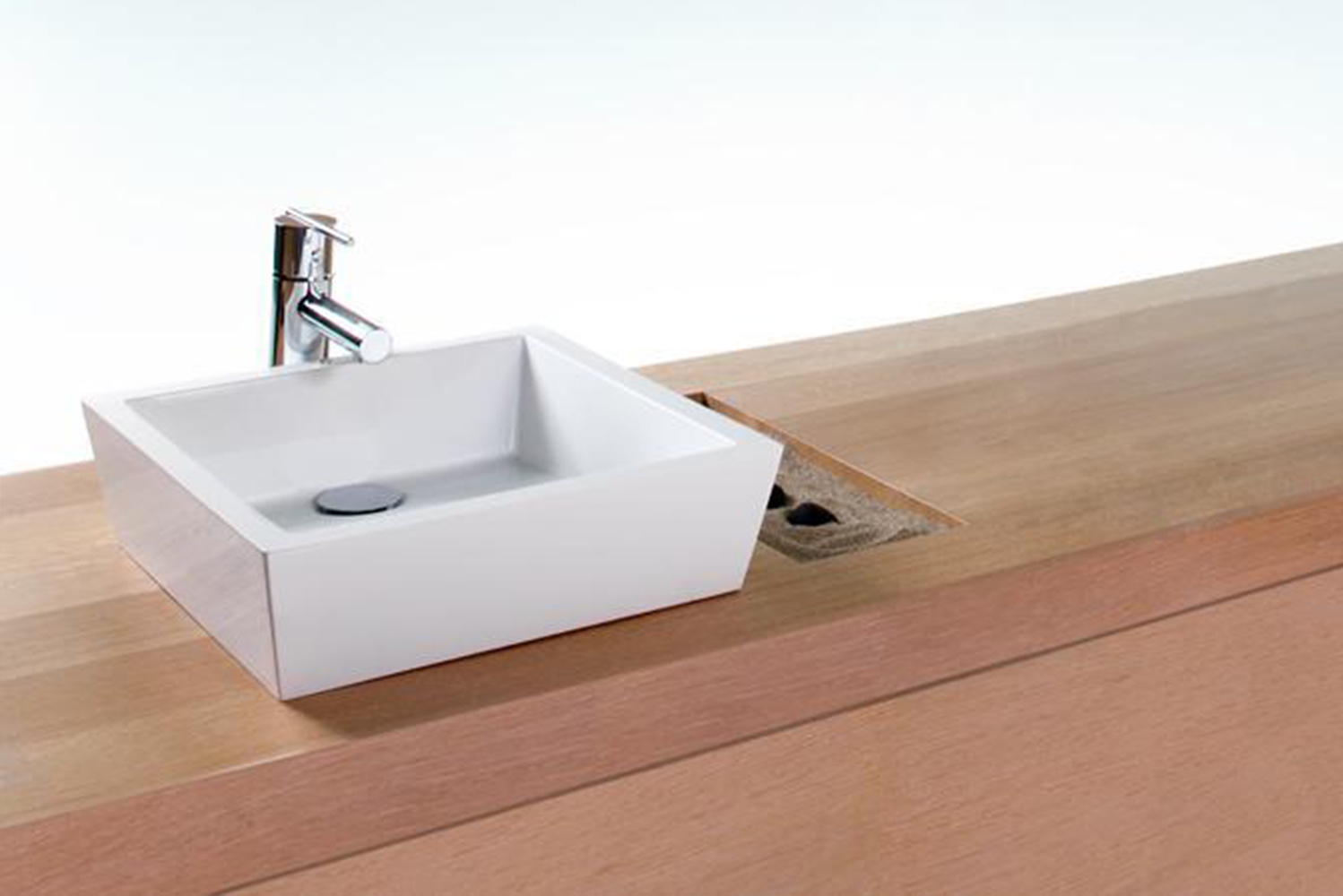 Featuring slender walls, built with WETSTYLE's proprietary WETMAR BiO material, the sinks offer a soft-to-the-touch finish and enhanced cleaning capabilities.