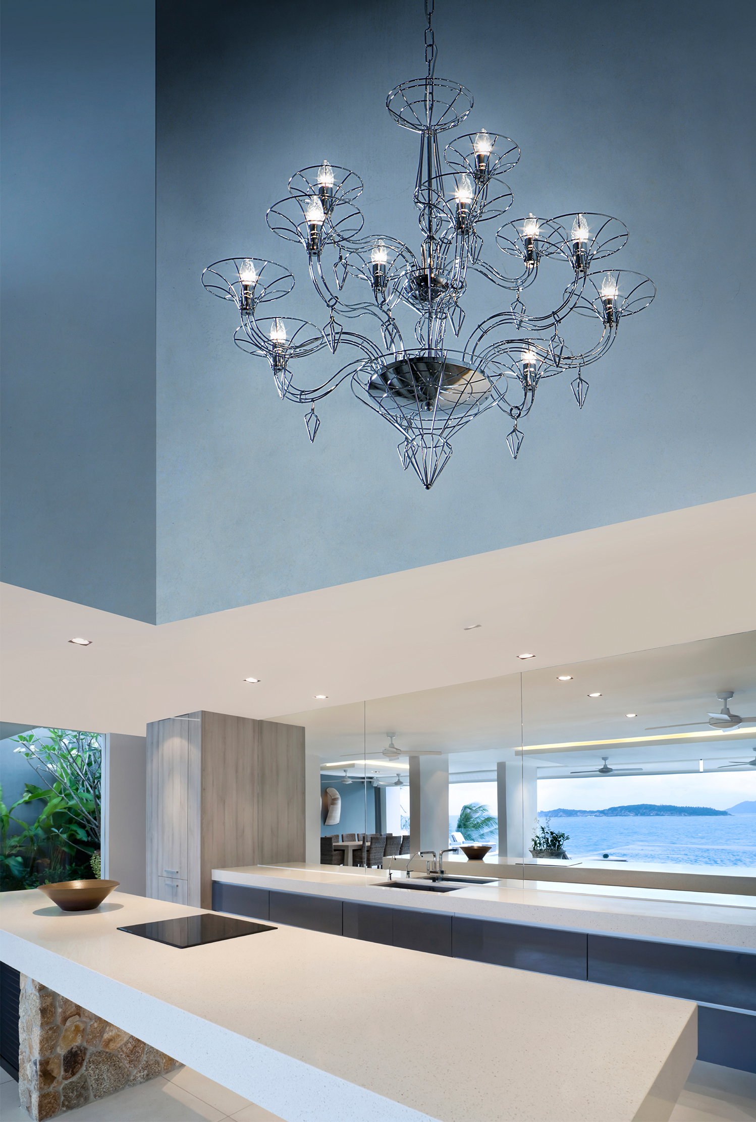 Dedalo is a collection of chandeliers that use the glass-blowing technologies from the Venetian island of Murano.