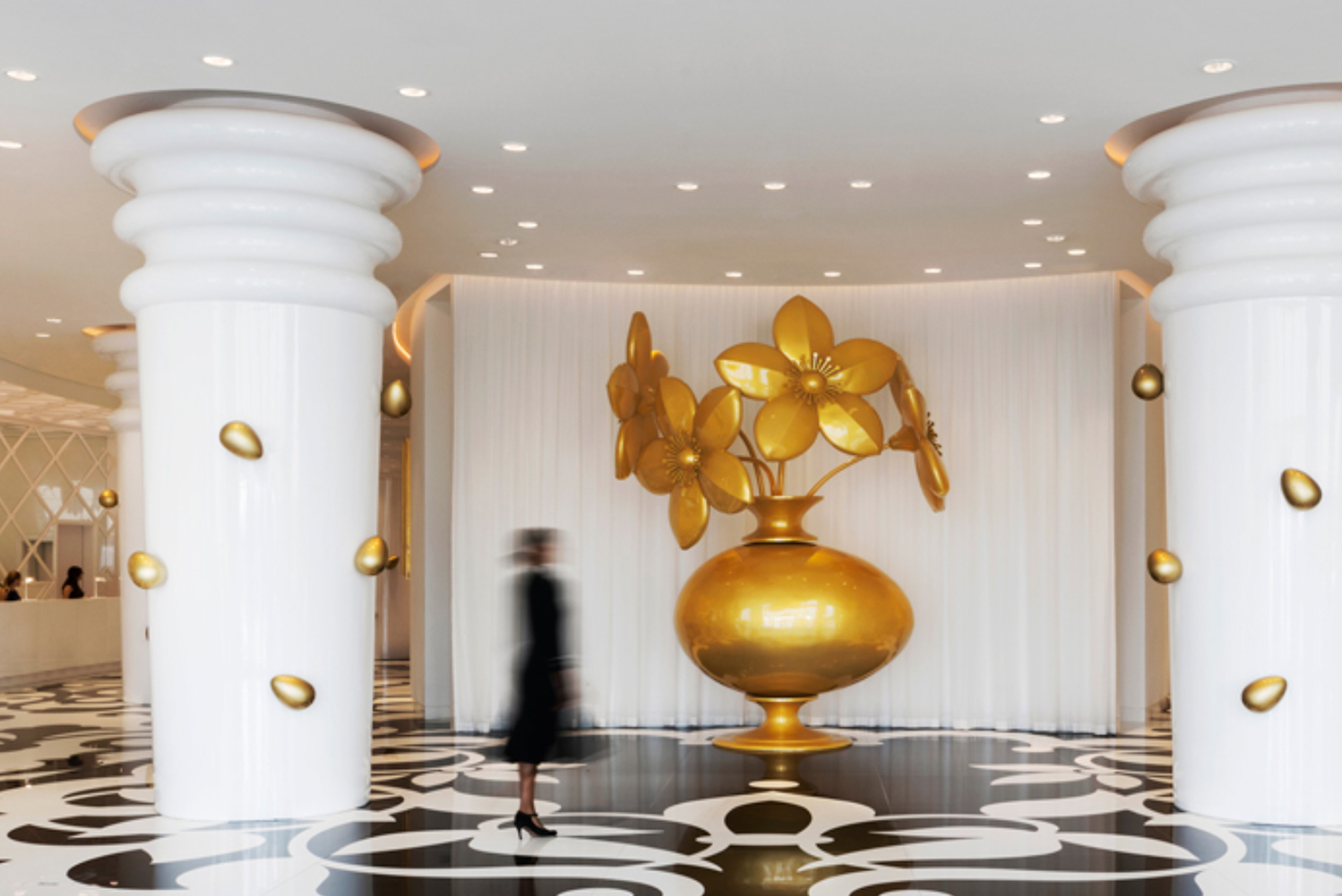 The hotel has 270 rooms, designed in collaboration with Dutch designer Marcel Wanders and South West Architecture.