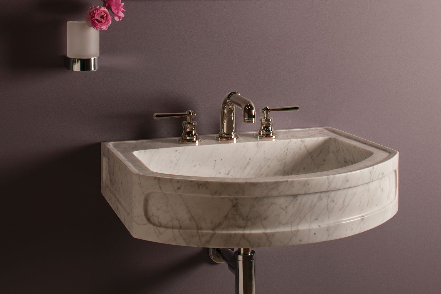 The Harbor washbasin is also available as a wall mount version with heavy-duty iron brackets for in-wall mounting.