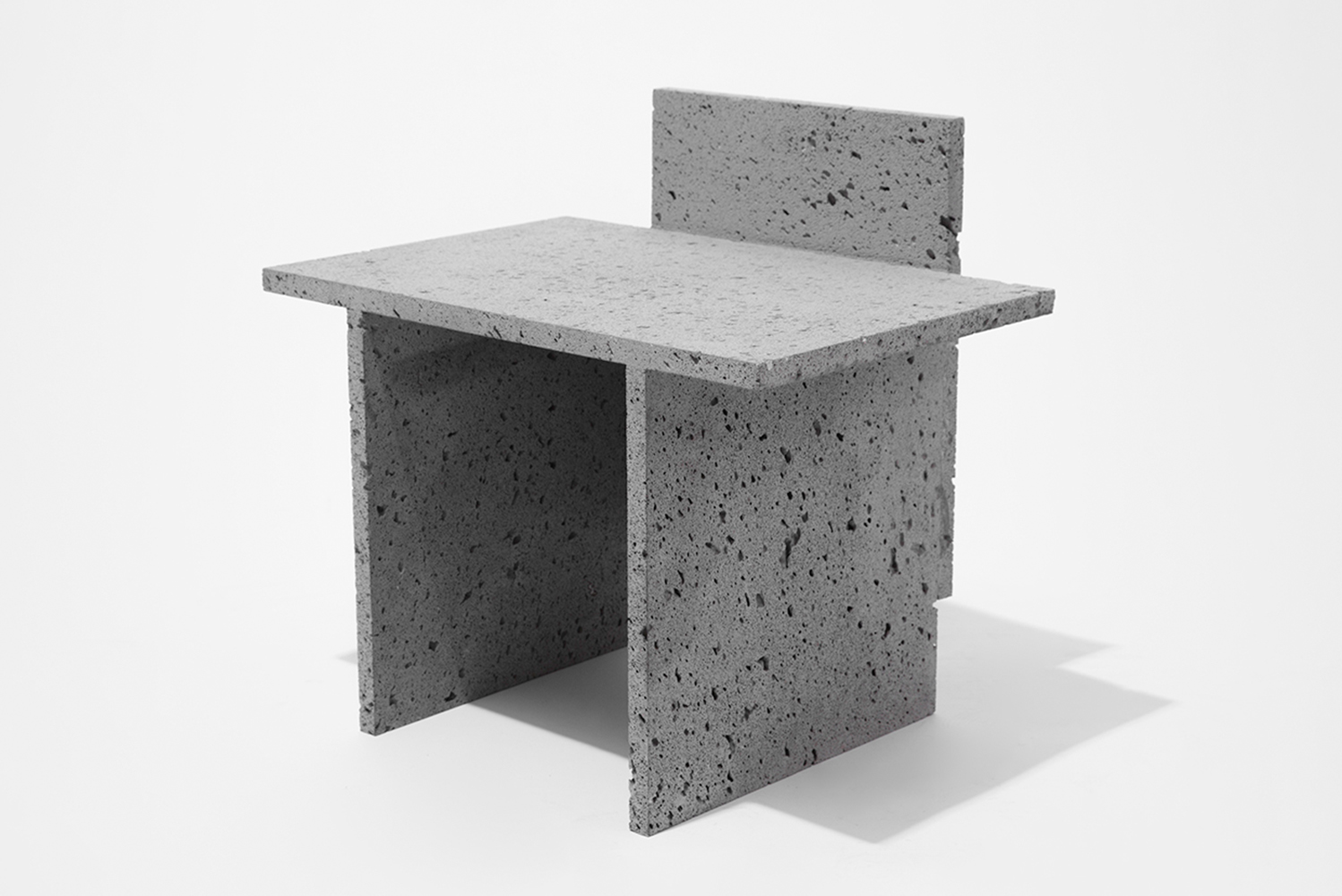 The series includes furniture products designed by Más, a studio specializing in products made of concrete.