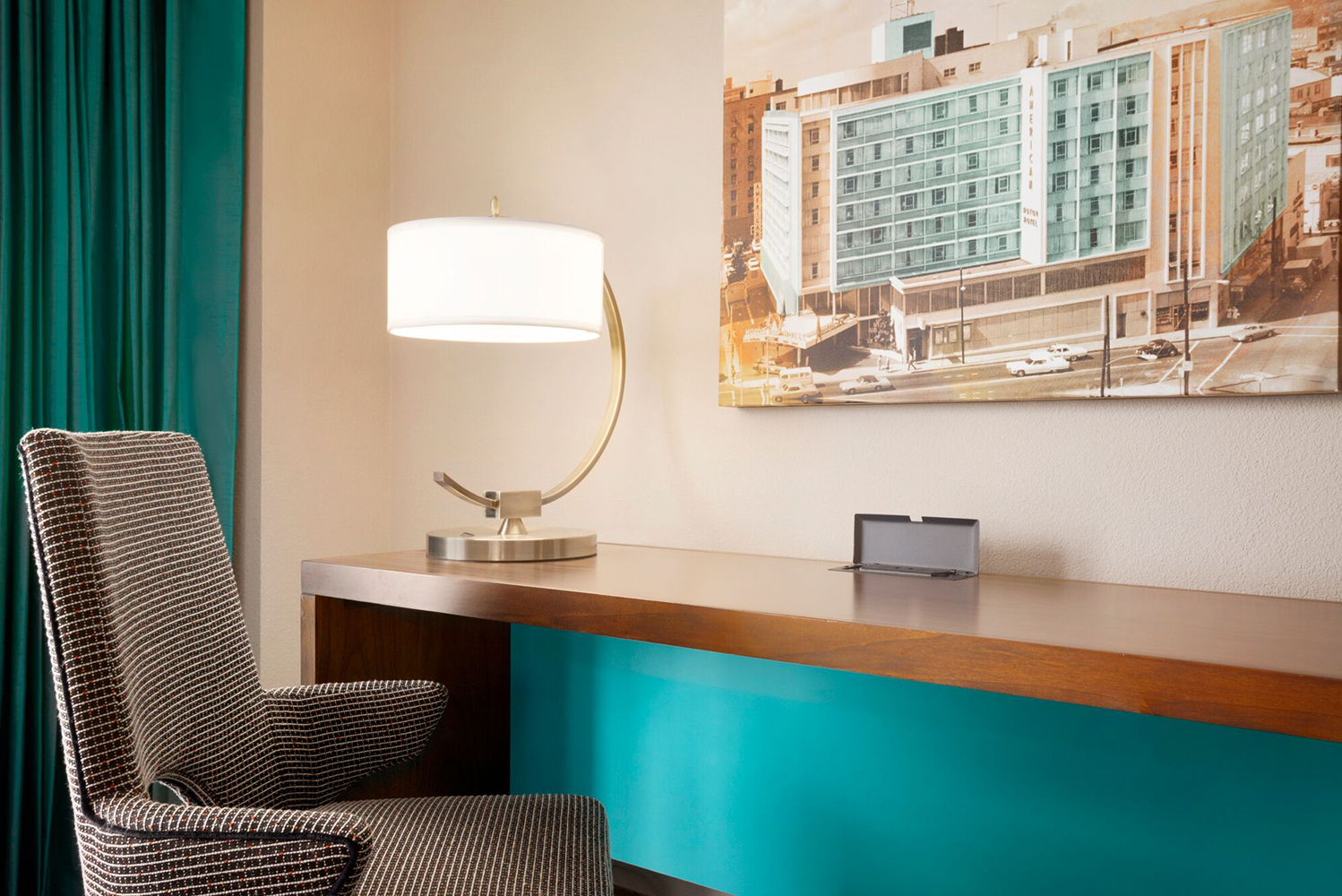 Downtown Atlanta's first modern hotel – The American Hotel, A DoubleTree by Hilton – was restored to its original glory by designONEstudio.