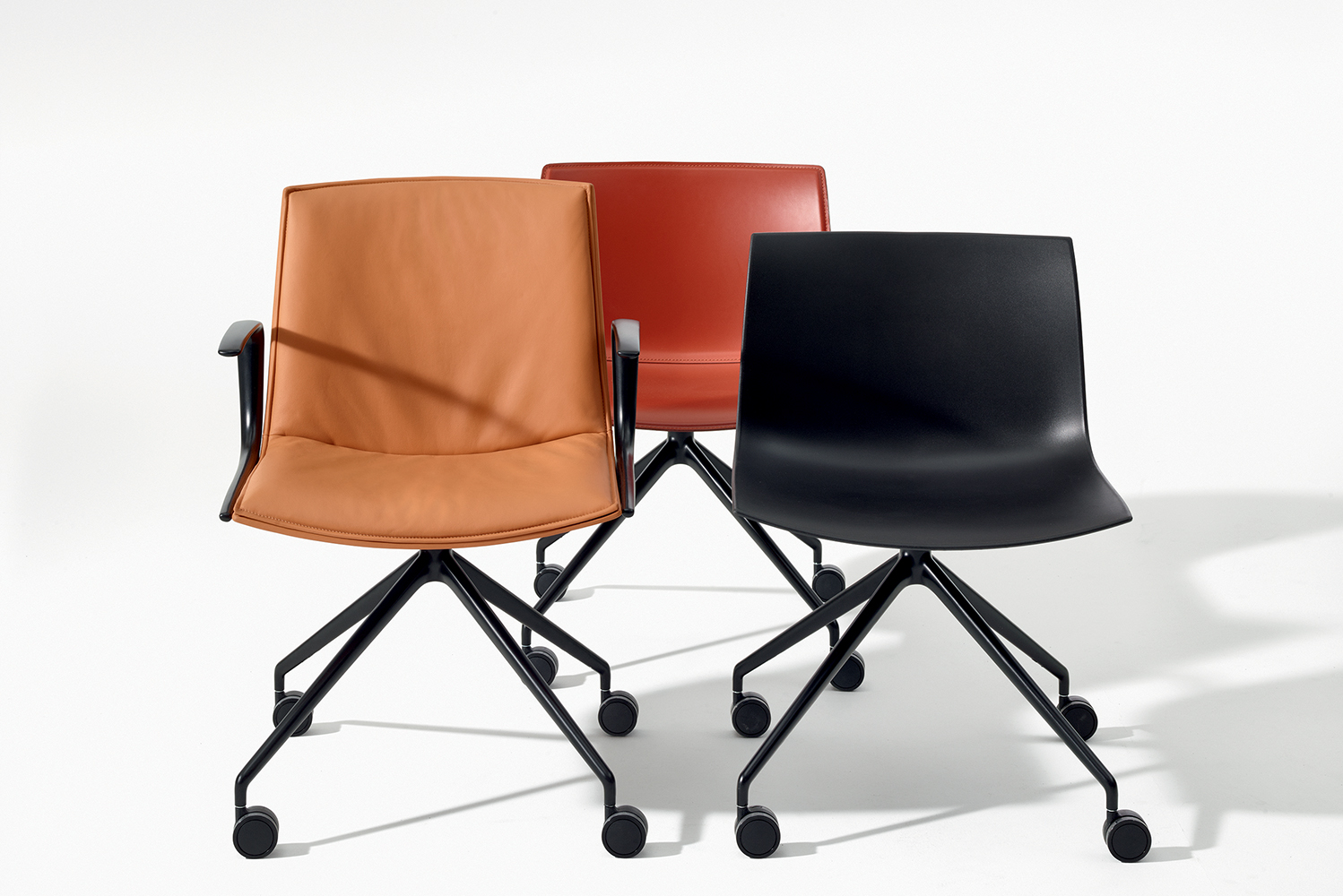 Catifa Up has a high backrest, optional armrests and plush padding to increase support and comfort.
