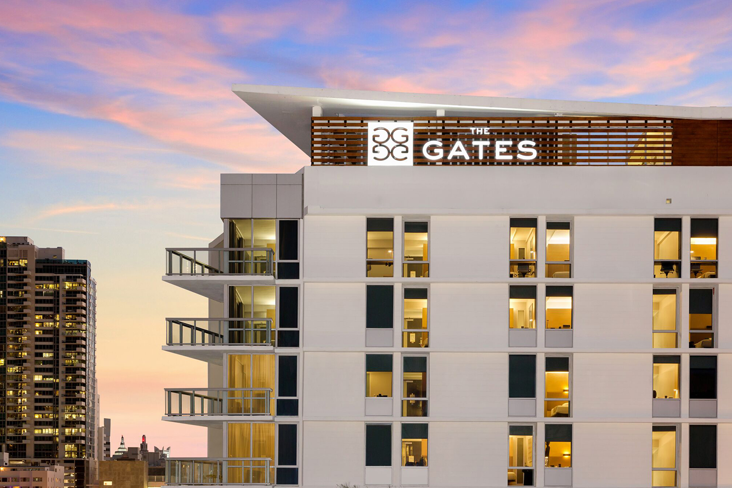 The Gates collaborated with Dutch East Design and architectural lighting design firm Focus Lighting for the transformation of the hotel.