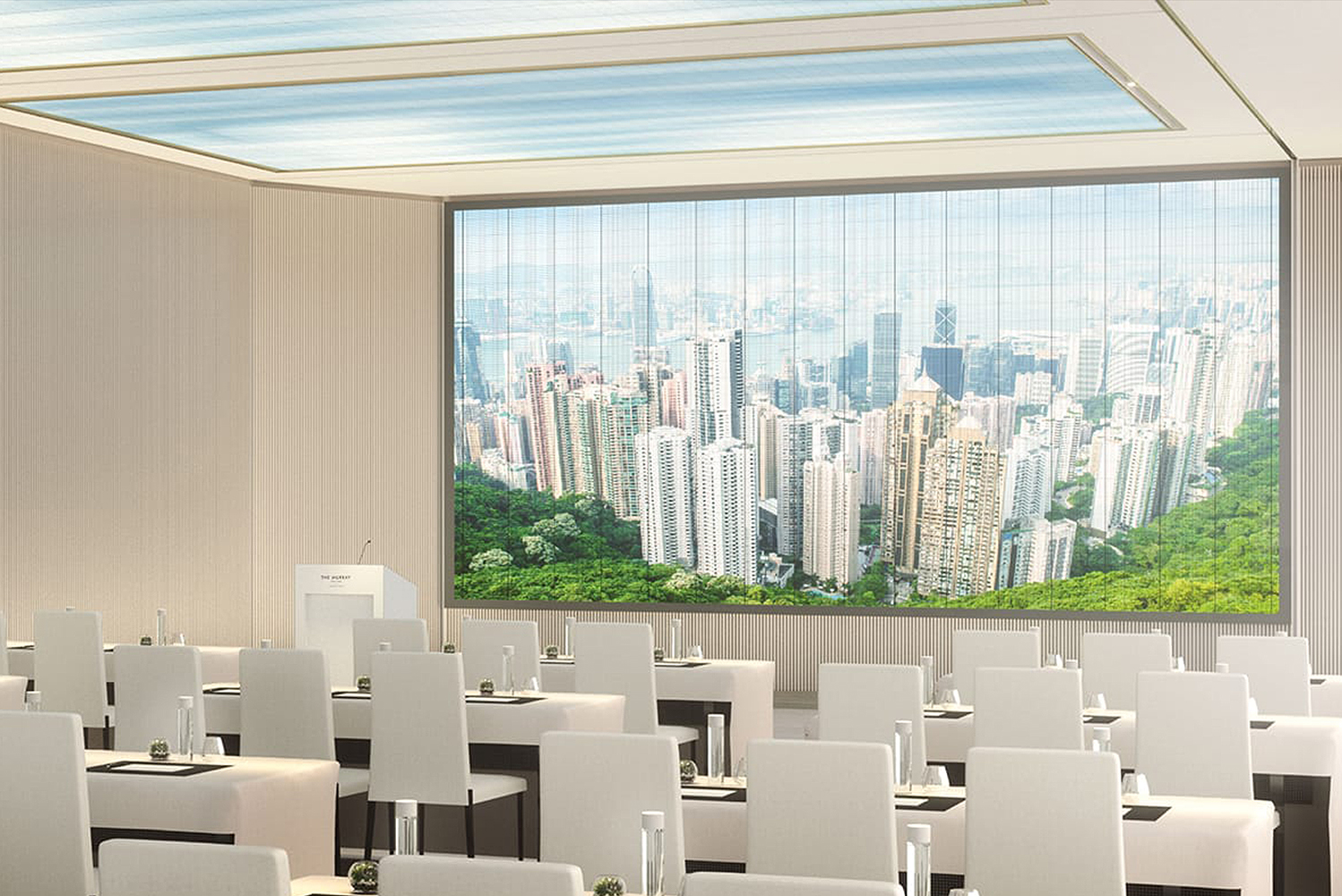 The Niccolo Room on the 25th floor can seat 240 guests or hold up to 350 people for receptions. Additionally, there are six smaller boardrooms all featuring natural light.