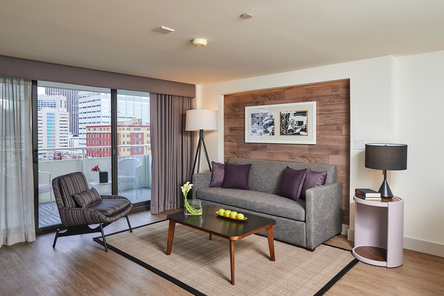 The Warwick Denver, which is located in the Mile High City, completed the renovation of all its 216 guestrooms and suites.