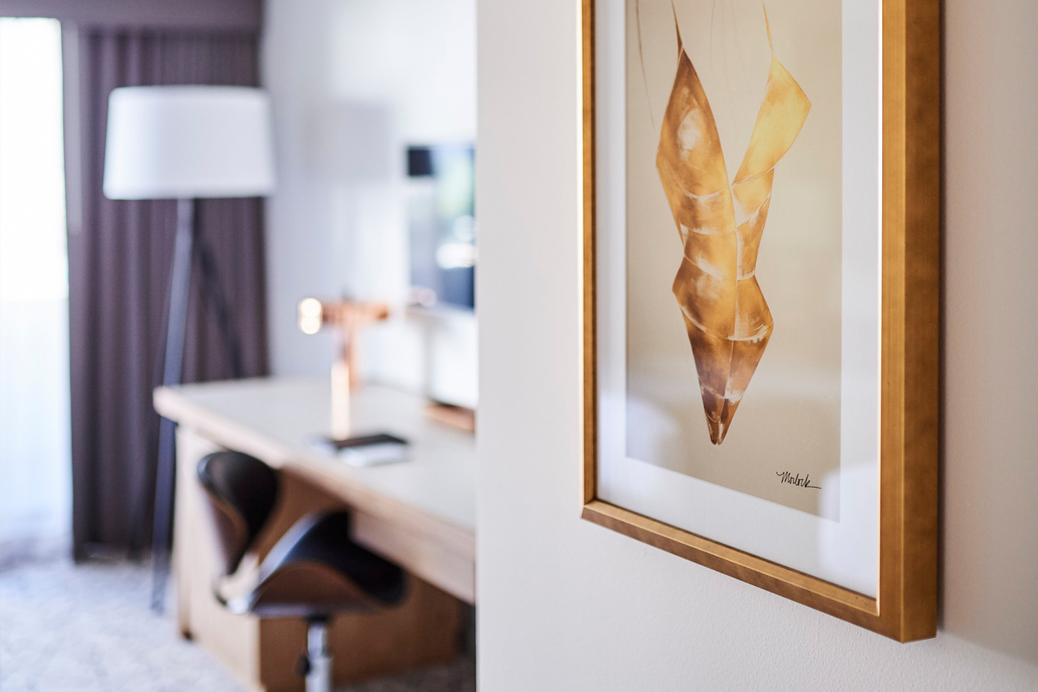 In a nod to its history, the interior design was inspired by the Playboy connection with references found through guestroom artwork.