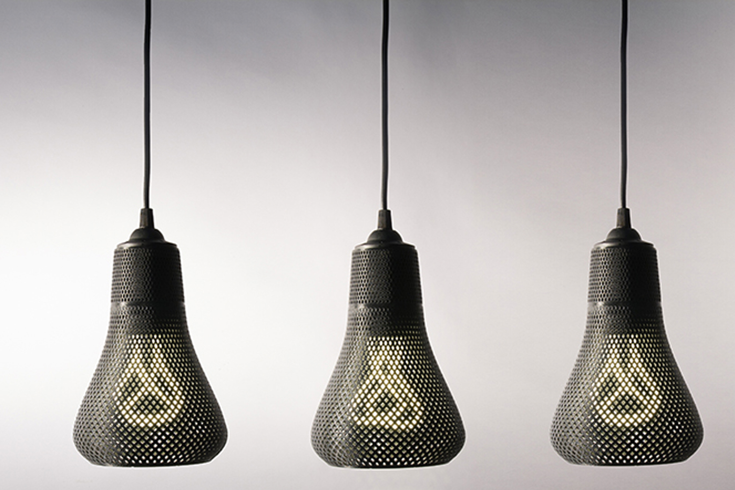 Kayan was specially developed to fit the smaller Plumen models through customized 3D modeling and printing and is effectively Plumen's first step into this new technology.