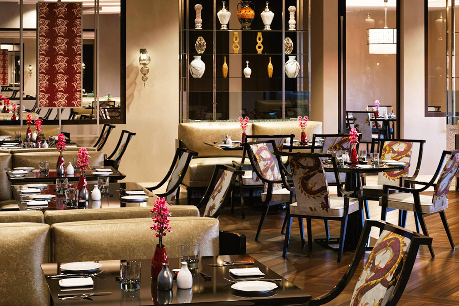 Restaurants at the Oberoi, New Delhi include the completely redesigned threesixty° restaurant; Omya Indian restaurant; Baoshuan rooftop Chinese restaurant; and open-air rooftop bar Cirrus9.