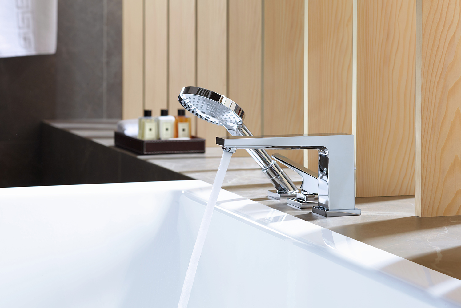 Hansgrohe launched the Metropol collection by Phoenix Design.