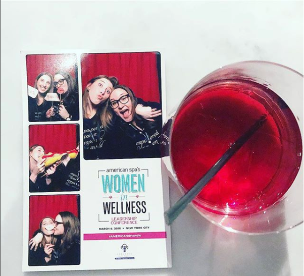 American Spa editors Natalie Maneval and Samantha Reed loving the photo booth, sponsored by Circadia by Dr. Pugliese (photo via Natalie Maneval/@nataliemaneval on Instagram)