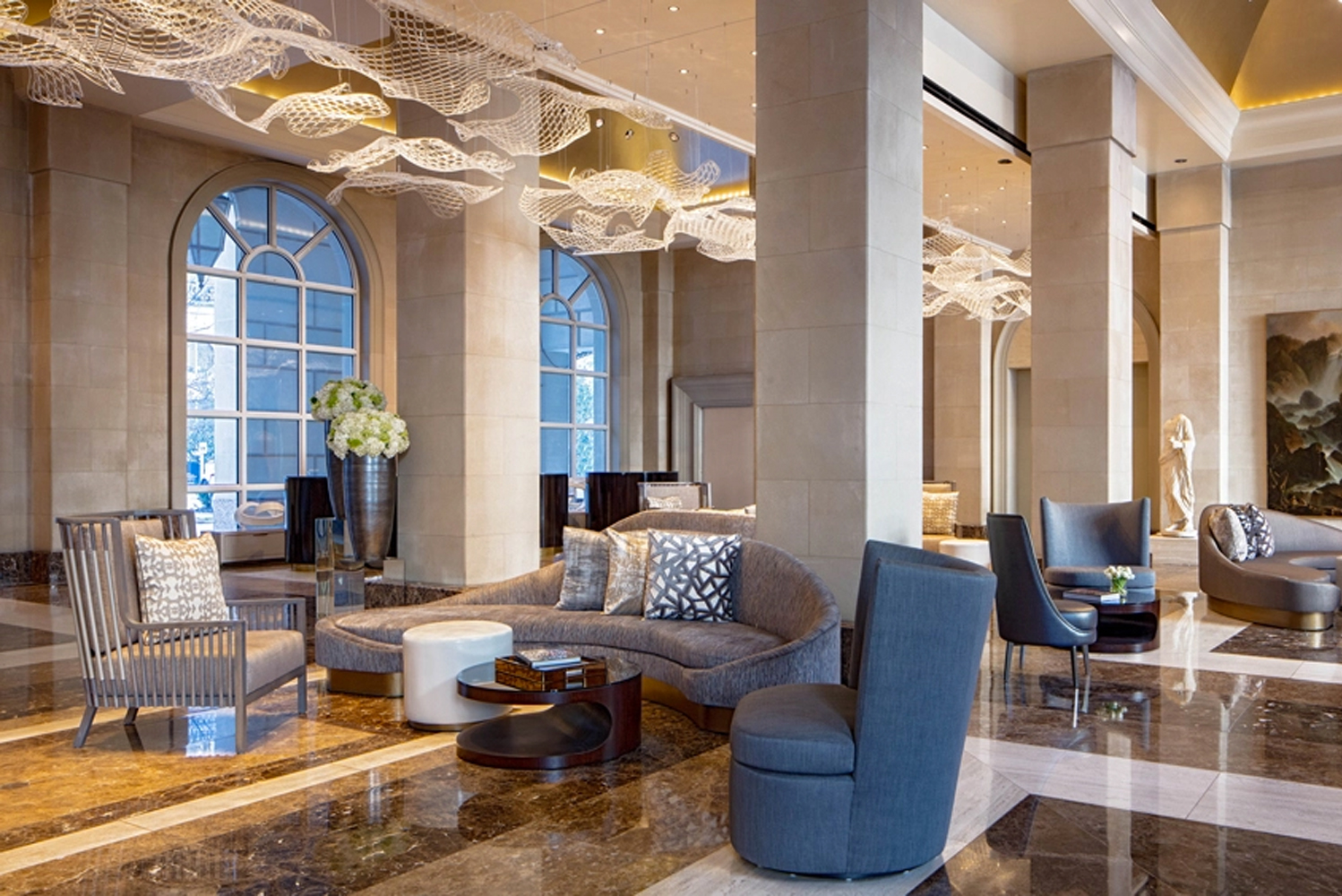 The lobby houses items from the personal collection of oil heiress Caroline Rose Hunt, including a 2,000-year-old, seven-foot-tall Roman marble statue of the god Aesculapius.