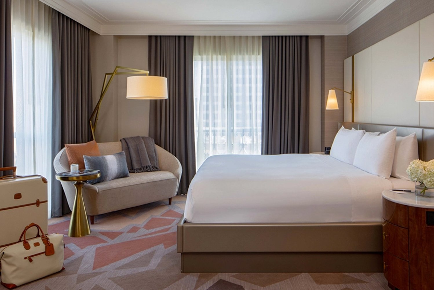 The 186 guestrooms and 40 suites pay homage to the vision of Caroline Rose Hunt and the original architect and Pritzker Prize-winner, Philip Johnson.