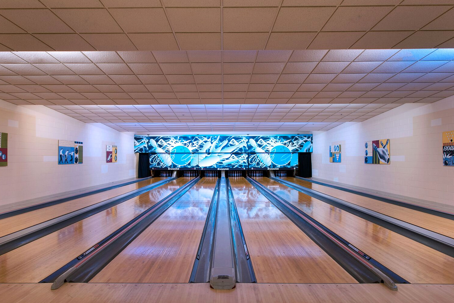 The property has Kegler's Bowling Alley, a six-lane bowling alley that also has billiards, darts and other games.