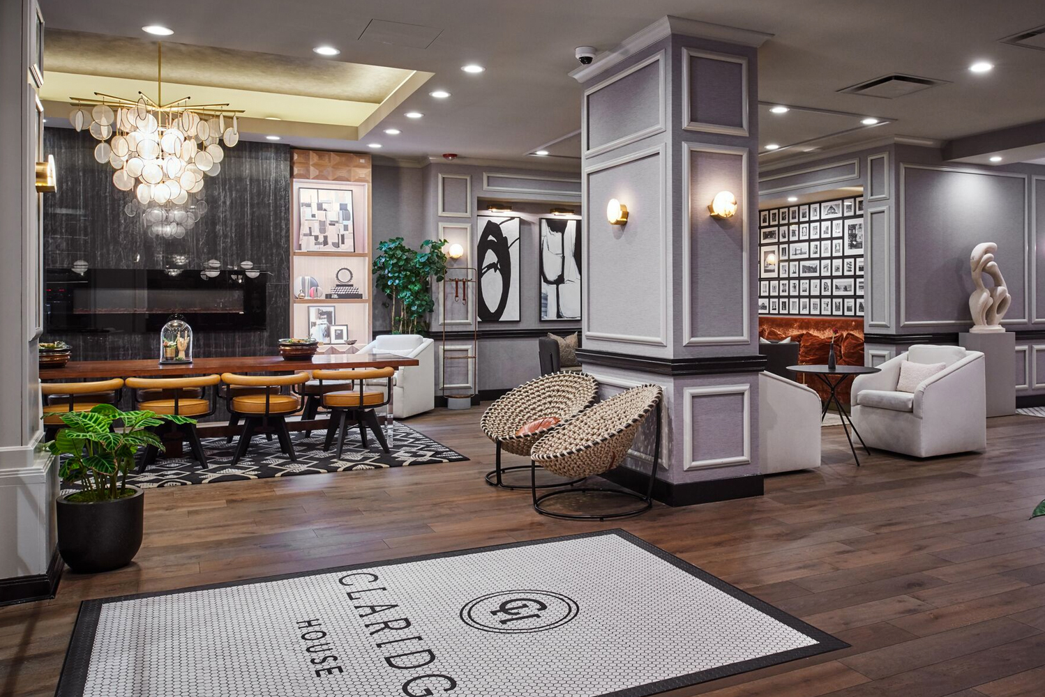 Claridge House Chicago completed a renovation led by hospitality design and development firm The Gettys Group.