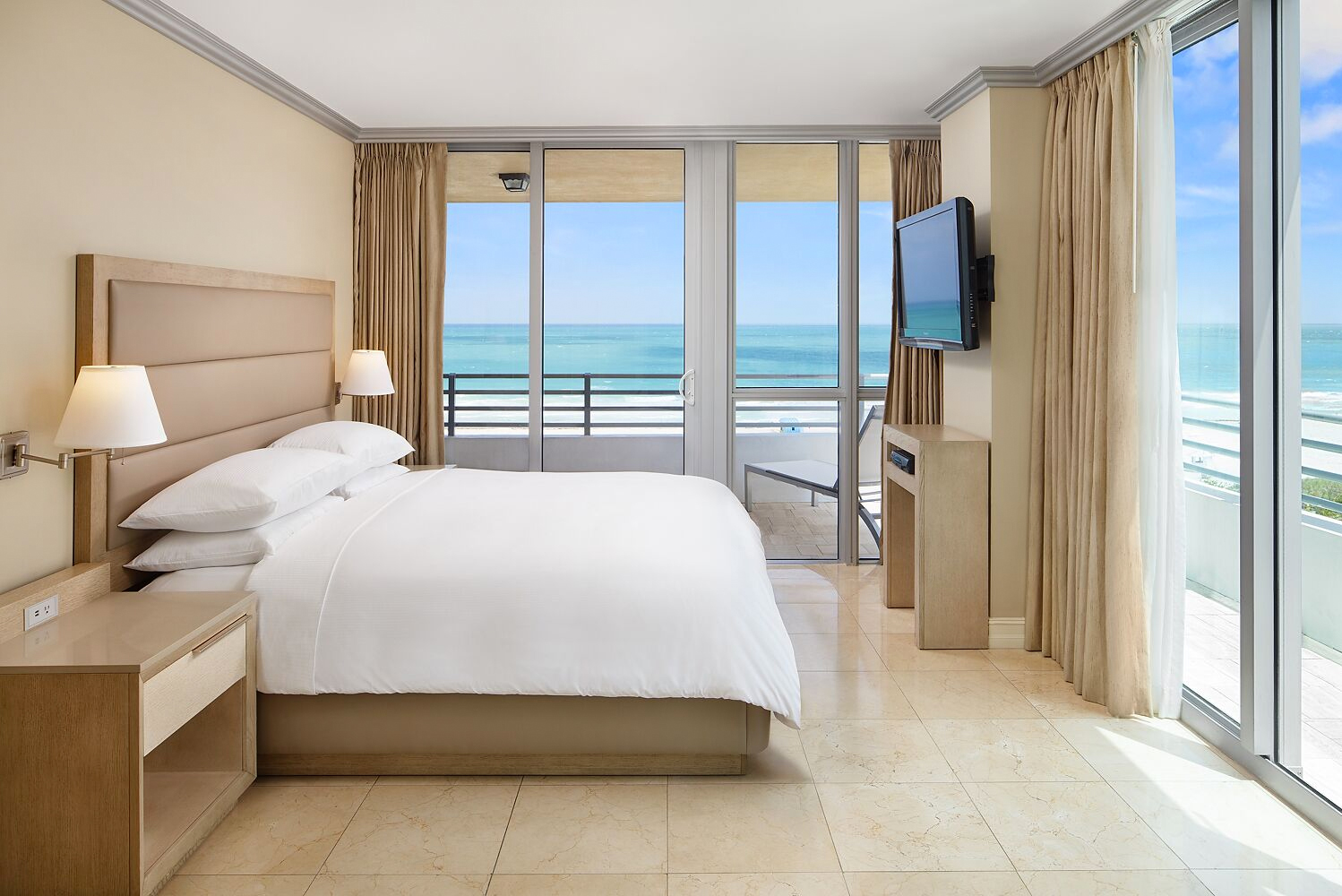 Designed by Bernhardt Designs, the new guestrooms have design that accents the fun spirit of South Beach with new lighting and furnishings.