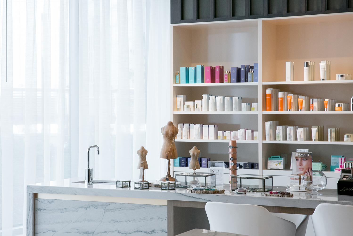 Curated by spa director Kendra Rice, the spa's treatment menu includes Aromatherapy Associates and Natura Bisse products.