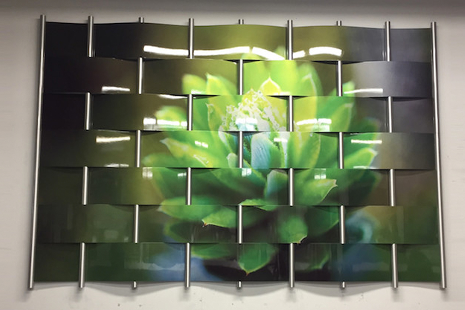 Named Digital Imagery, the new option uses high-res imagery supplied by customers that Móz Designs then applies to metal to create a custom multi-layered piece of wall art.