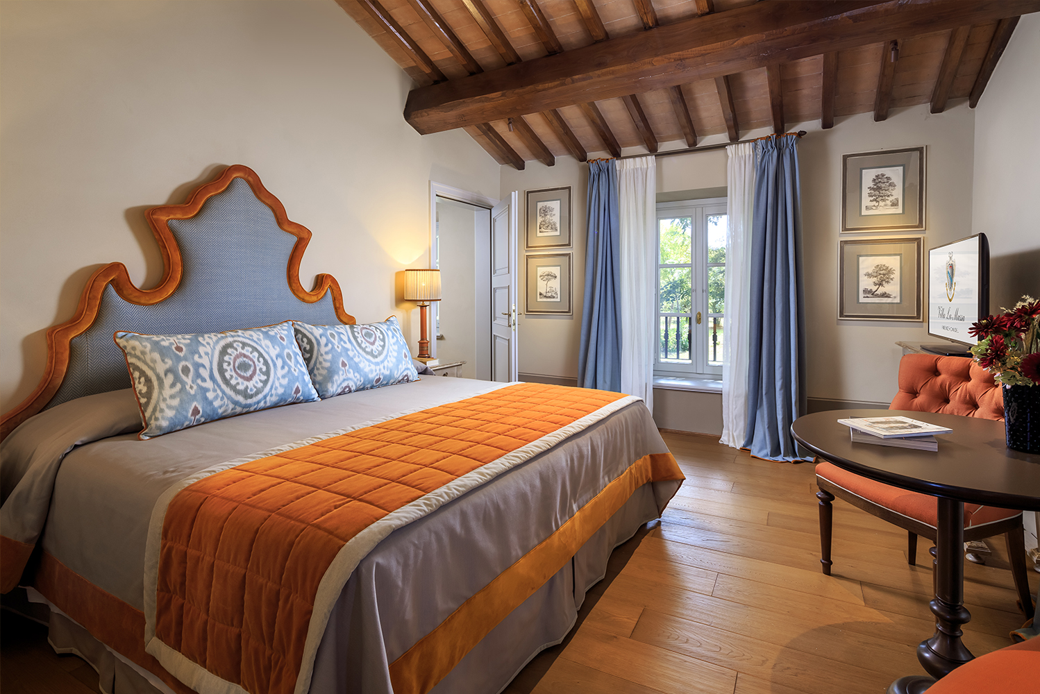 The décor is classically Tuscan, and the furnishings are handcrafted by local artisans.