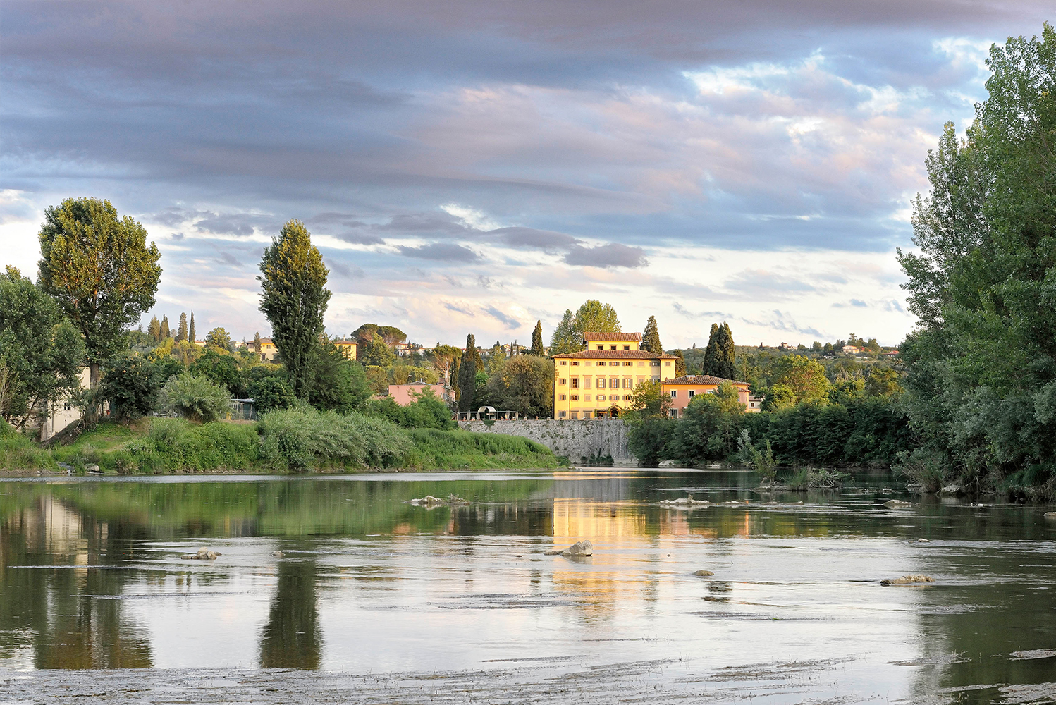 The property overlooks the Arno River and Chianti Valley.