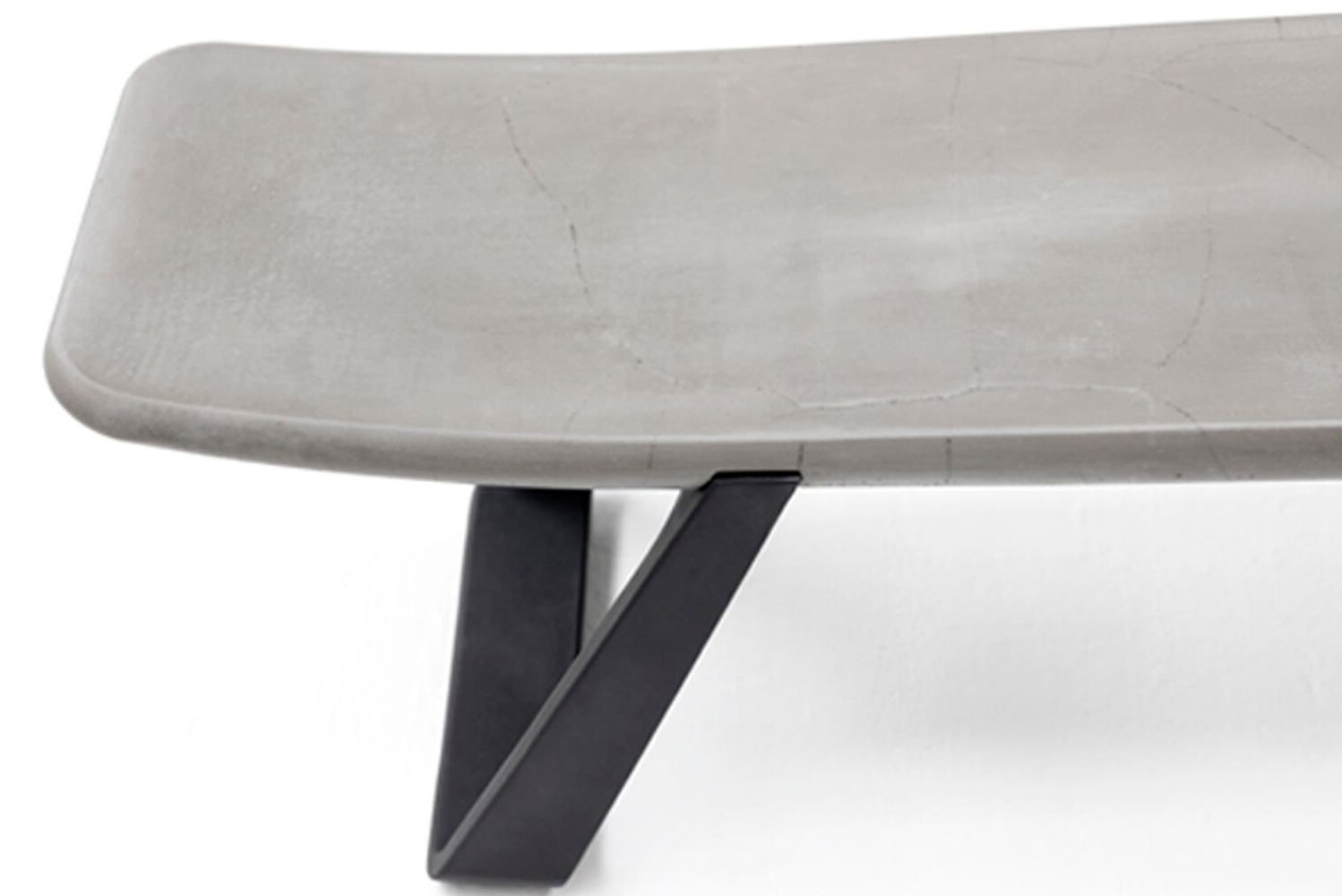 Toronto-based furniture manufacturer Nienkämper launched the Perplex bench.