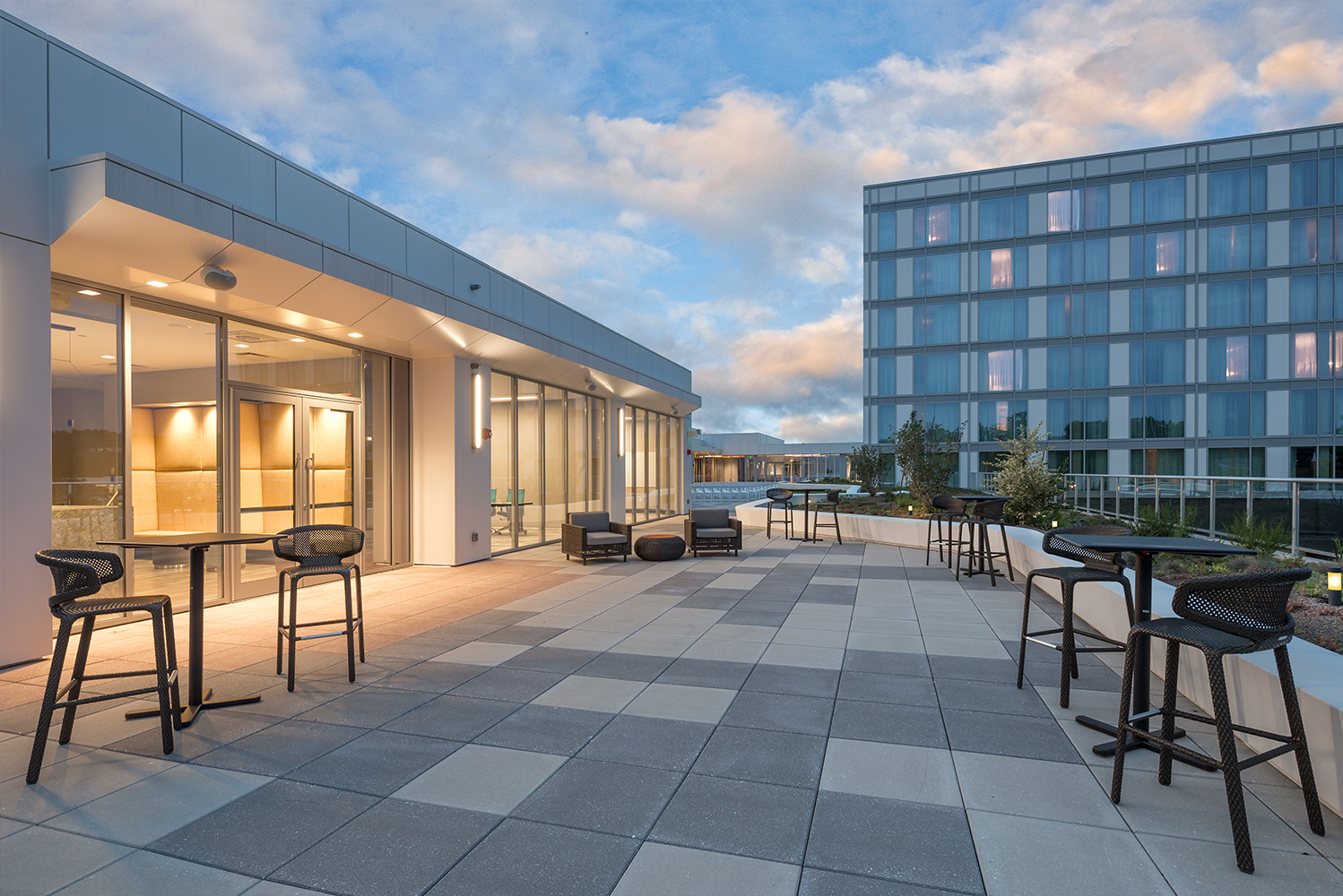 Hirsch Bedner Associates (HBA) completed the design of The Summit, a Dolce Hotel by Wyndham in the Madisonville neighborhood of Cincinnati, Ohio.